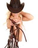 Het paardteugels van de veedrijfster stock afbeeldingen