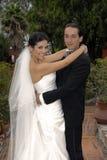 Het paarholding van het huwelijk elkaar Stock Foto