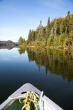 Het paddelen op het meer Royalty-vrije Stock Foto's