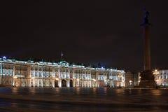 Het Paleis en Alexander Column, Rusland van de winter Royalty-vrije Stock Afbeeldingen