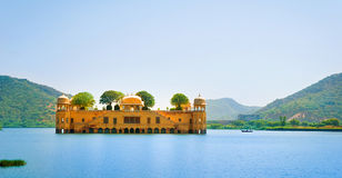 Het paleis Jal Mahal (Waterpaleis), Jaipur, Rajasthan, India Stock Foto's