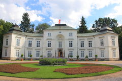 Het Paleis Myslewicki in Lazienki-Park in Warshau Stock Afbeeldingen