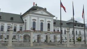 Het Paleis van Bratislava Grassalkovich stock video