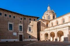 Het Paleis van de hertog van Urbino stock afbeelding
