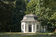 Het paleis van Falkenlust de Falkenlust-paleizen is een historisch gebouw complex in hl van Brà ¼, Noordrijn-Westfalen stock foto