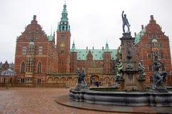Het Paleis van Frederiksborg of Kasteel, Hillerod, Denemarken stock afbeeldingen