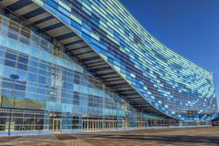 Het Paleis van ijsbergwintersporten, dat tijdens de Winst van 2014 werd gebruikt Stock Foto's