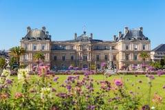 Het Paleis van Luxemburg in Jardin du Luxemburg Stock Fotografie