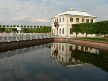 Het paleis van Marli van Peterhof stock afbeeldingen