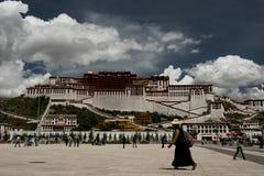 Het Paleis van Potala De plaats van de Dalailama Lhasa, Tibet Stock Afbeelding