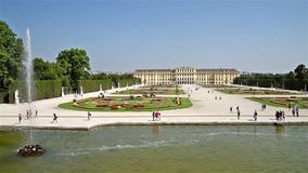 Het Paleis van Schonbrunn in Wenen stock video