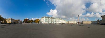 Het paleisvierkant in heilige-Petersburg Stock Foto