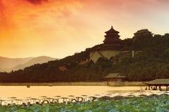 Het paleiszonsondergang China van de zomer Stock Afbeelding