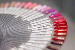 Het palet van nagellak, een ongebruikelijk palet die van nagellak, palet wervelen royalty-vrije stock foto's