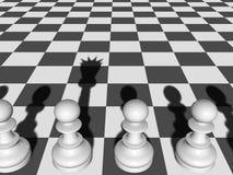 Het Pand Potentiële Koningin van de schaakraad, Schaduw op Schaakbord Stock Foto