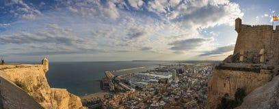 Het panorama van Alicante van het Santa Barbara-kasteel, Spanje royalty-vrije stock afbeelding