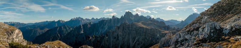Het panorama van bergen Royalty-vrije Stock Foto