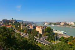 Het panorama van Boedapest van de zomer Stock Fotografie