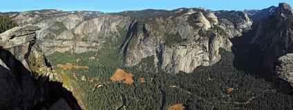 Het Panorama van Californië van de Vallei van Yosemite stock afbeelding