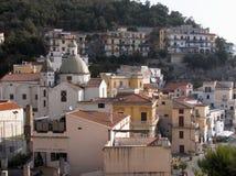 Het panorama van Cetara van het dorp Stock Afbeeldingen