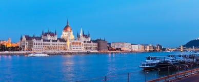 Het panorama van de avond van Boedapest, Hongarije Royalty-vrije Stock Afbeelding