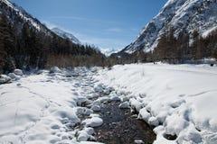 Het Panorama van de Berg van de winter op Alpen Stock Foto