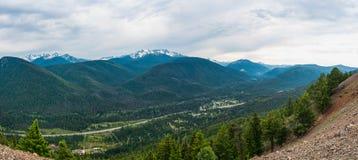 Het Panorama van de berg van Weg Stock Foto's