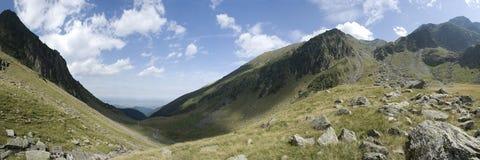 Het panorama van de Bergen van Fagaras stock foto