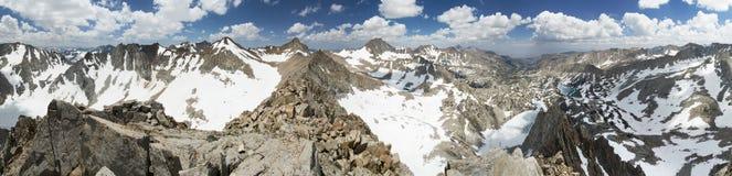 Het Panorama van de bergtop Royalty-vrije Stock Foto