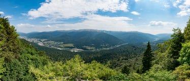 Het panorama van de bergvallei, Roemenië, Prahova-Vallei Stock Afbeelding