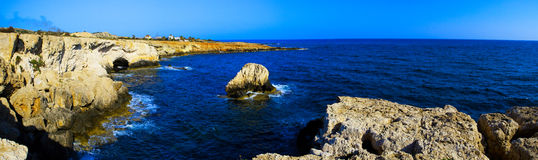 Het panorama van de kustlijn stock fotografie