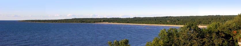 Het panorama van de kustlijn stock afbeelding