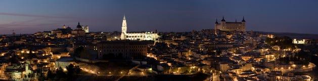 Het Panorama van de Nacht van Toledo stock foto