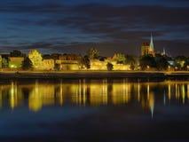 Het panorama van de nacht van Torun, Polen. Stock Foto's