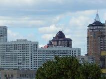 het panorama van de Oekraïne van nieuwe gebouwen in Kiev Royalty-vrije Stock Fotografie