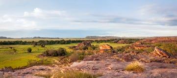 Het Panorama van de Ubirrrots - Noordelijk Grondgebied, Australië stock foto