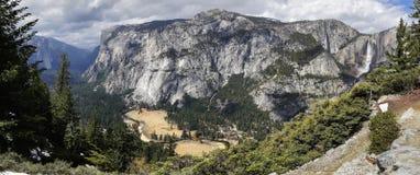 Het Panorama van de Vallei van Yosemite Stock Afbeelding
