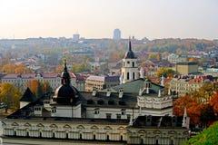 Het panorama van de Vilniusherfst van Gediminas-kasteeltoren Stock Foto