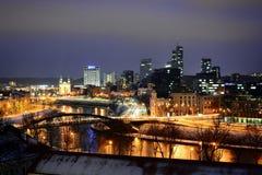 Het Panorama van de Vilniuswinter van Gediminas-Kasteeltoren stock foto's