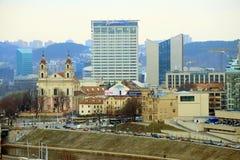 Het Panorama van de Vilniuswinter van Gediminas-Kasteeltoren royalty-vrije stock foto