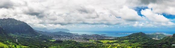 Het panorama van de het vooruitzichtmening van Nuuanupali op het eiland van Oahu, Hawaï royalty-vrije stock fotografie