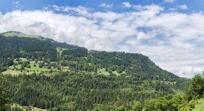 Het Panorama van de zomeralpen Royalty-vrije Stock Foto's