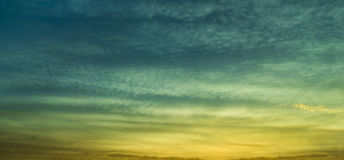 Het panorama van de zonsopgangwolk Royalty-vrije Stock Foto