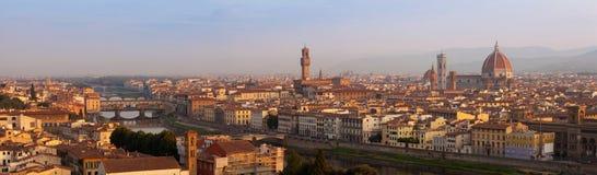 Het panorama van Florence bij surise Stock Foto's