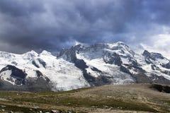 Het Panorama van het berglandschap. Zwitserland Royalty-vrije Stock Foto's
