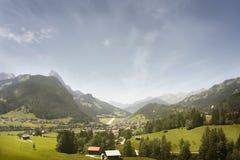 Het Panorama van het berglandschap. Zwitserland Stock Afbeelding