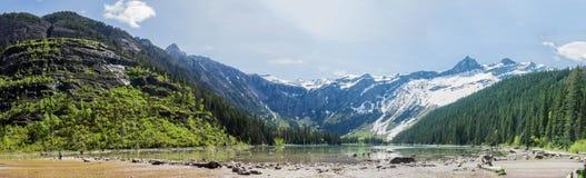 Het panorama van het bergmeer Royalty-vrije Stock Fotografie