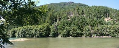 Het panorama van het bergmeer in Washington State Stock Foto
