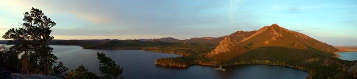 Het panorama van het Burabaimeer, dageraad stock foto's