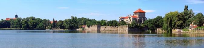 Het panorama van het kasteel - Tata, Hongarije Royalty-vrije Stock Foto's